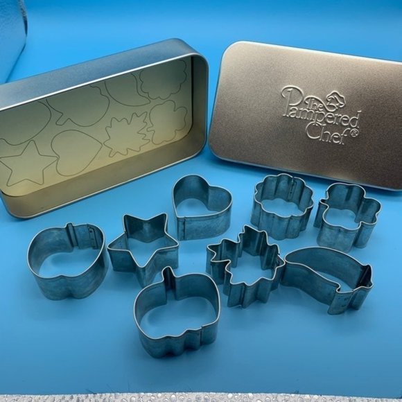 The Pampered Chef Mini Cookie Cutter Set